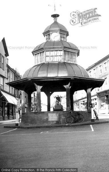 Photo of North Walsham, the Clock Tower c1955, ref. n42034