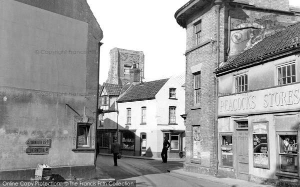 Photo of North Walsham, The Cross Roads c.1955