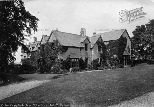 Photo of Northam, Burrough House (home of Amyas Leigh) 1906