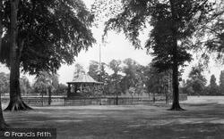 Northampton, Abington Park Bandstand 1922