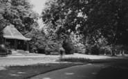 Northampton, Abington Park Gardens c.1955