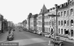 Northampton, Abington Street And Notre Dame High School c.1955