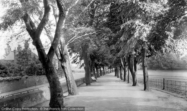 Photo of Northampton, Bedford Road Promenade, Beckett's Park 1922