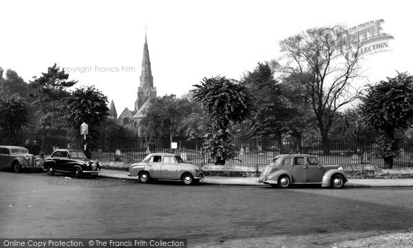 Northampton, Church Of The Holy Sepulchre c.1955