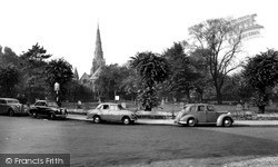 Northampton, Church Of The Holy Sepulchre c.1955