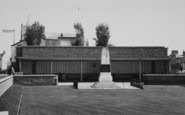 Northampton, Gardens Of Rememberance c.1955