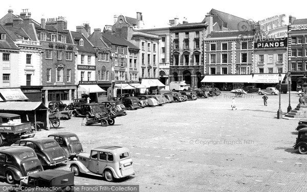 Photo of Northampton, Market Square c.1950