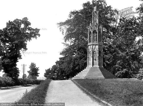 Photo of Northampton, Queen Eleanor Cross 1922