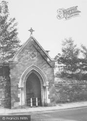 Northampton, Thomas A Becket's Well c.1960