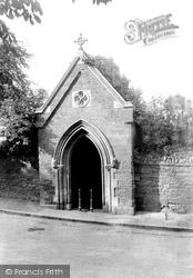 Northampton, Thomas A Becket Well 1922