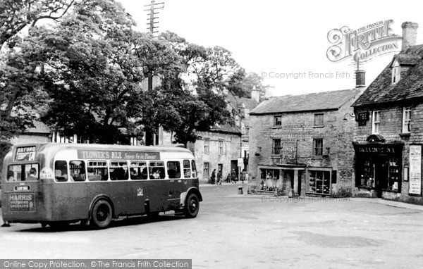 Photo of Northleach, Market Square c.1950