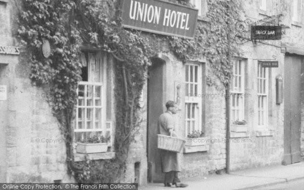 Photo of Northleach, Union Hotel c.1955