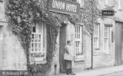 Northleach, Union Hotel c.1955