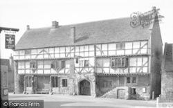 Norton St Philip, The George Inn c.1960