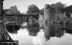Norwich, Boom Towers And Carrow Bridge 1938