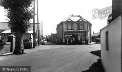 Square c.1955, Nottage