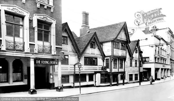 Nottingham, the Flying Horse Hotel c1955