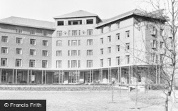 Nottingham, University, Florence Nightingale Hall c.1955