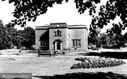 Nuneaton, Art Gallery And Museum, Riversley Park c.1960