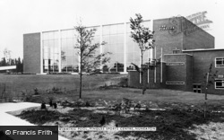 Nuneaton, Pingles Sports Centre, The Swimming Pool c.1960