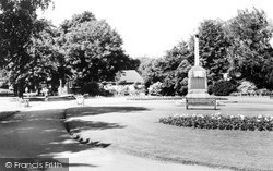 Nuneaton, Riversley Park c.1960