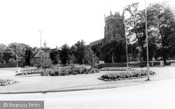 Nuneaton, The Church Of St Nicholas c.1960