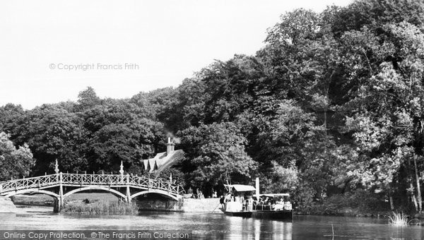 Photo of Nuneham Courtenay, Bridge And Oxford Steamer 1890