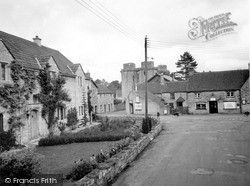 Nunney, Bell House And Castle c.1960