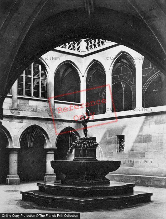 Photo of Nuremburg, Fountain c.1930