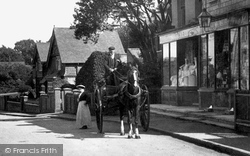 Nutfield, A Horse And Cart 1908