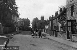 Nutfield, Children In The Village 1908