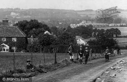 Nutfield, Children On Redstone Hill 1906