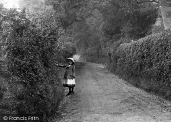 Nutfield, Girl, School Hill 1906
