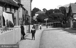 Nutfield, Village Children 1908
