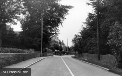 Nutley, High Street c.1955