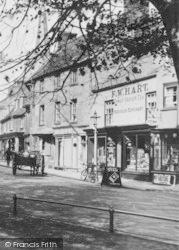 F W Hart Grocers 1927, Oakham