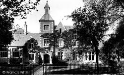 School House 1927, Oakham