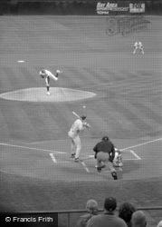 A Game Of Baseball 2001, Oakland