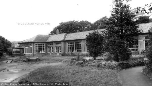 Photo of Oakworth, The School c.1960