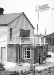 Shipwrights Arms, Hollow Shore c.1955, Oare