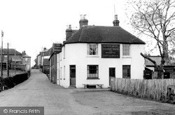 Oare, The Castle Inn c.1955