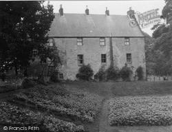 Ochiltree House 1951, Ochiltree
