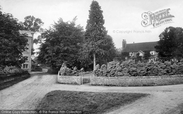 Photo of Ockham, Millwater House 1915