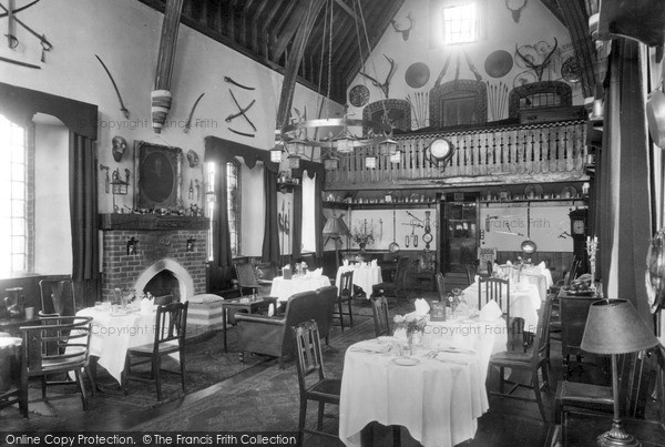 Ockham, the Hautboy Hotel, Dining Room c1938.  (Neg. O6302)  © Copyright The Francis Frith Collection 2008. http://www.francisfrith.com