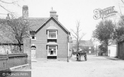 Offord Cluny, Ye Old Swan 1906
