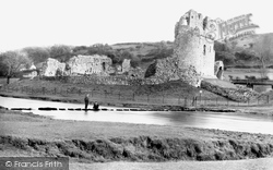 Ogmore By Sea, Stepping Stones And Ogmore Castle 1937