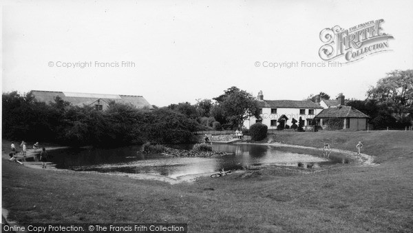 Old Coulsdon, The Pond c.1960