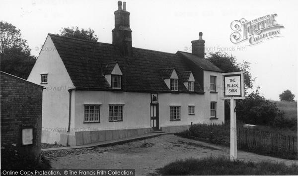 Photo of Old Weston, the Black Swan c1955
