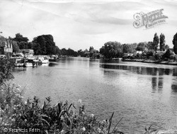 Old Windsor, The River Thames c.1960