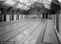 The Swimming Bath, Edge Hill College c.1955, Ormskirk